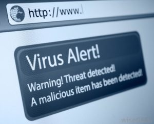 virus-alert-on-a-computer-screen